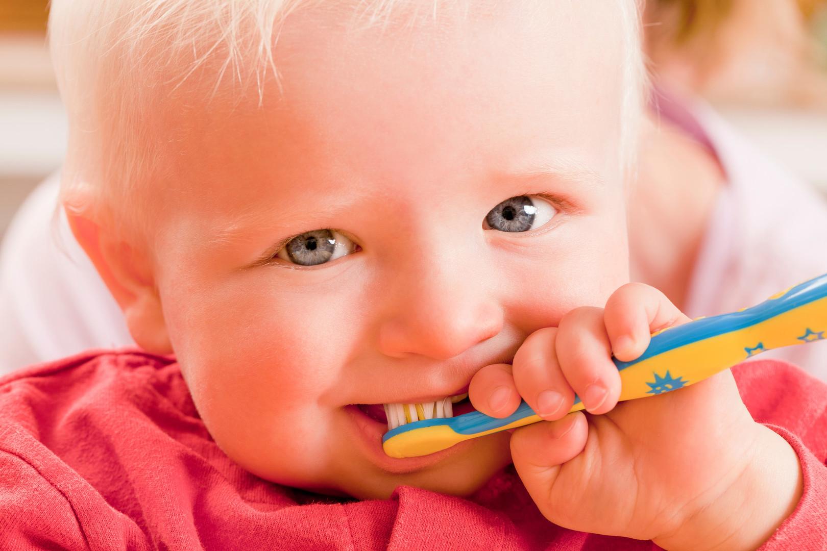 Kleinkinder Zahnarzt - Mund-Kiefer-Gesichtschirurgie Dorsten